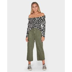 Billabong Lowtide Jean Olive. Billabong Pants found in Womens Pants & Womens Pants & Jeans. Code: 6595402