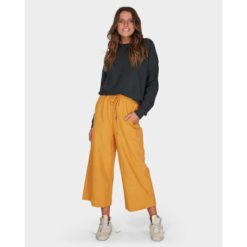 Billabong Finelines Trackpack Honey Gold. Billabong Sweats found in Womens Sweats & Womens Jackets, Jumpers & Knits. Code: 6595741