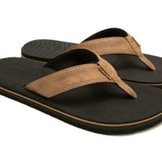 Rip Curl P-low S19 Brown. Rip Curl Thongs found in Mens Thongs & Mens Footwear. Code: TCTD87