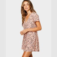 Rvca Pebble Dress Brown. Rvca Dresses found in Womens Dresses & Womens Skirts, Dresses & Jumpsuits. Code: R491756