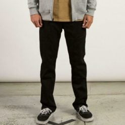 Volcom Solver Denim Modern Fit16 Black On Black. Volcom Jeans found in Mens Jeans & Mens Pants & Jeans. Code: A1931503