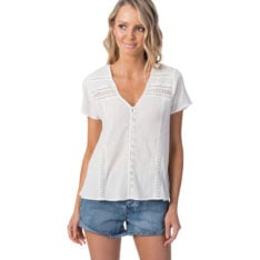 Rip Curl Last Summer Ii Top Off White. Rip Curl Fashion Tops found in Womens Fashion Tops & Womens Shirts. Code: GSHFP1