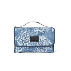 Rip Curl Rolled B/case Coastalview Navy. Rip Curl Cosmetic Bags found in Womens Cosmetic Bags & Womens Bags. Code: LUTHS1