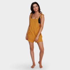 Billabong Girl On The Run Playsuit Wild Honey. Billabong Dresses found in Womens Dresses & Womens Skirts, Dresses & Jumpsuits. Code: 6591153