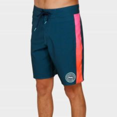 Billabong D Bah Pro Boardshort B69. Billabong Boardshorts - Fitted Waist found in Mens Boardshorts - Fitted Waist & Mens Shorts. Code: 9591407
