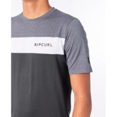 Rip Curl Underline Panel Short Sleeve Uvt Charcoal Grey. Rip Curl Rashvests found in Mens Rashvests & Mens Wetsuits. Code: WLY9PM