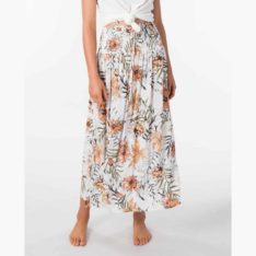 Rip Curl Blanca Beach Skirt White. Rip Curl Skirts found in Womens Skirts & Womens Skirts, Dresses & Jumpsuits. Code: GSKDR1