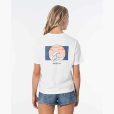 Rip Curl Sunset Wave Tee Egret (egr). Rip Curl Tees found in Womens Tees & Womens T-shirts & Singlets. Code: GTECK2