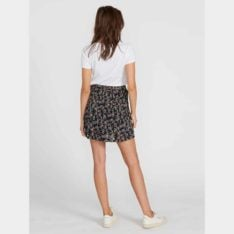 Volcom Buds 4 Life Skirt Mlt. Volcom Skirts found in Womens Skirts & Womens Skirts, Dresses & Jumpsuits. Code: B1441975