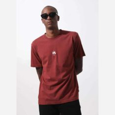 Afends Flame Logo Tee Rojo. Afends Tees found in Mens Tees & Mens T-shirts & Singlets. Code: M194013
