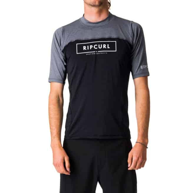 Rip Curl Underline Relaxed Short Sleeve Uvt Black. Rip Curl Rashvests found in Mens Rashvests & Mens Wetsuits. Code: WLY7KM