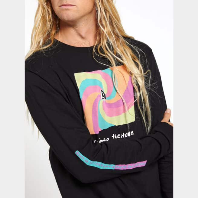 Volcom Earth People L/s Tee Black. Volcom Tees - Long Sleeve in Mens Tees - Long Sleeve & Mens T-shirts & Singlets. Code: A3612002