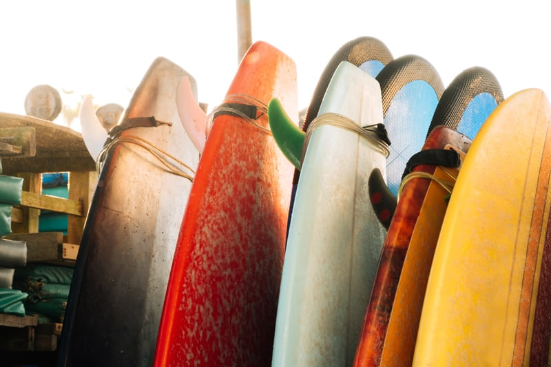 How to determine the right size surfboard to use