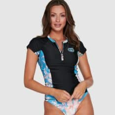 Billabong Samaya Short Sleeve Sunshirt Black. Billabong Rashvests in Womens Rashvests & Womens Wetsuits. Code: 6703003