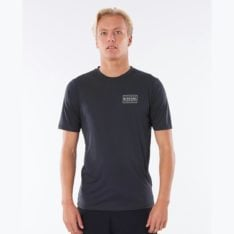 Rip Curl Driven Box Short Sleeve Uvt Black. Rip Curl Rashvests in Mens Rashvests & Mens Wetsuits. Code: WLYYSM